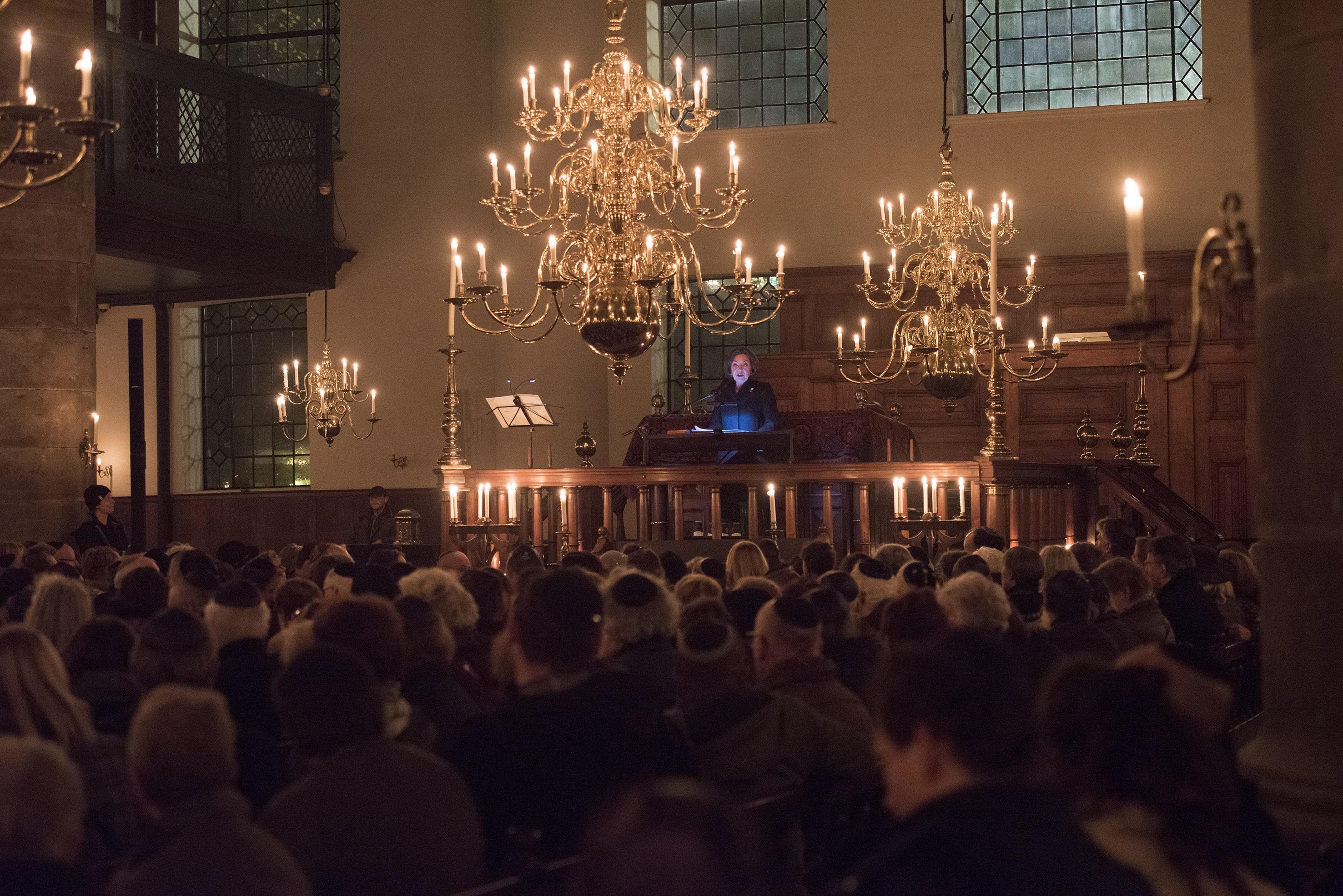 Indrukwekkende toespraken tijdens Kristallnachtherdenking 2018